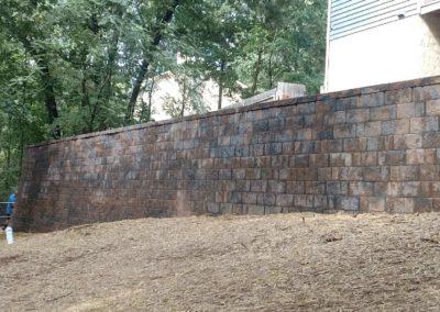 backyard-retaining-wall